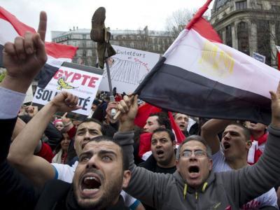 20110220223742-egipto-renuncio-mubarak.jpg